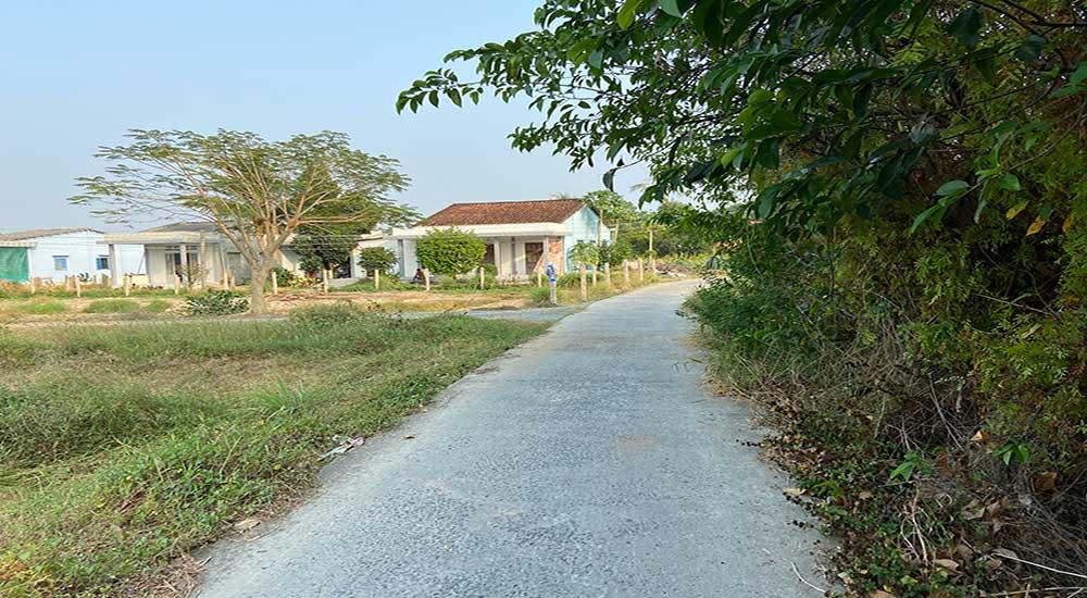 Đường phía trước đất Châu Thành rộng 3,5m